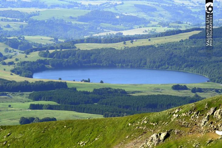 Le lac Pavin, avec une profondeur de 92 m est le lac le plus profond d'Auvergne